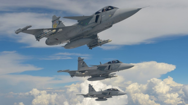 globalassets-commercial-air-gripen-fighter-system-rtaf_threeship_2340.jpg
