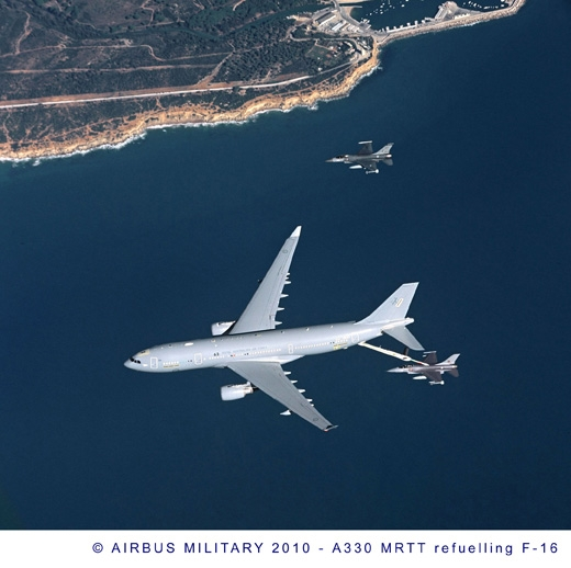 012-RAAF-A330-MRTT-(KC-30A)-refuelling-F-16-through-ARBS.jpg