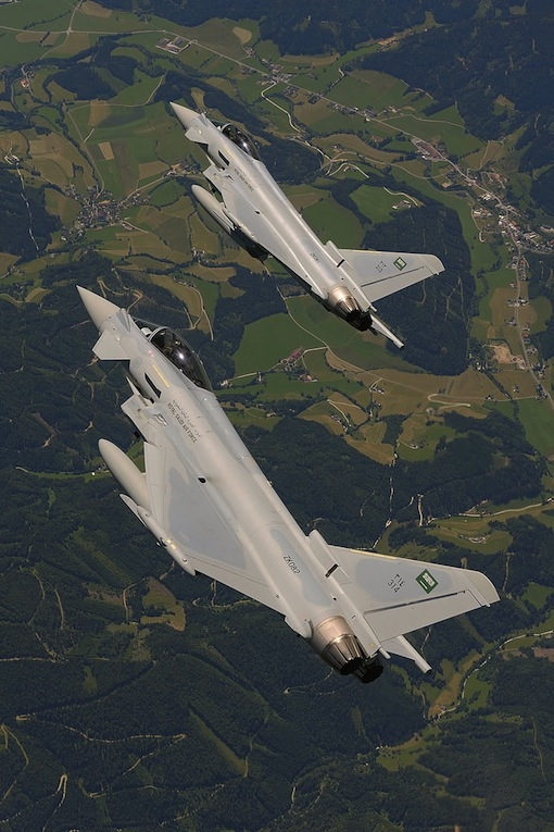 AIR_Eurofighters_Saudi_at_Zeltweg_2011_Airshow_Geoffrey_Lee_Eurofighter_lg.jpg