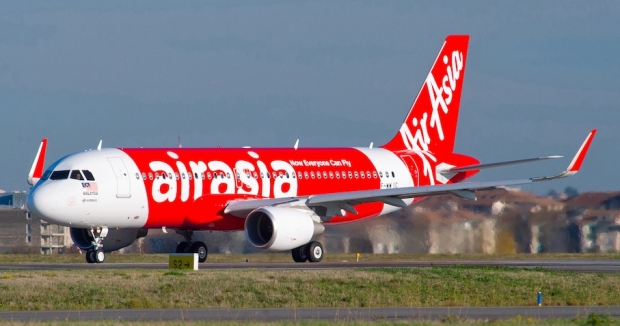A320_Sharklet_first_delivery_AirAsia_02.jpg