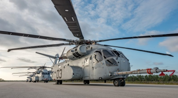 CH-53K-prototypes-lined-up-21-12-16-800x445.jpg