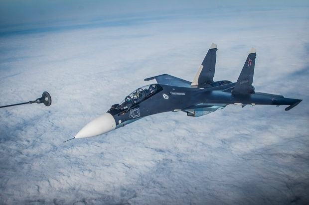 Su-30SM_fighters_Russian_Navy_aerial_refueling.jpg