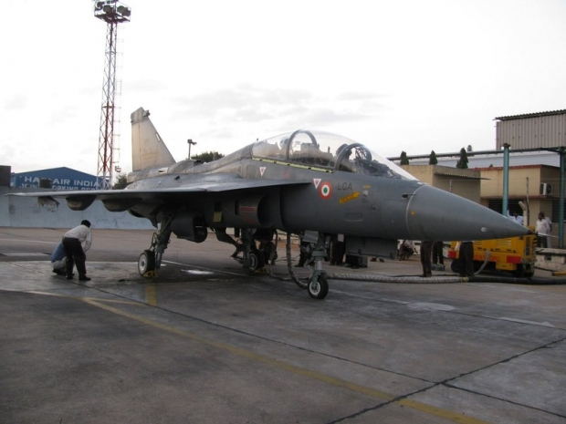 LCA+%2528Navy%2529+Prototype+NP-1+Tejas+maiden+flight+aircraft+carrier+landing+talkoff.jpg