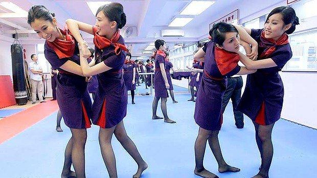 art-Hong-Kong-Airlines-Flight-Attendants-20-7--620x349.jpg