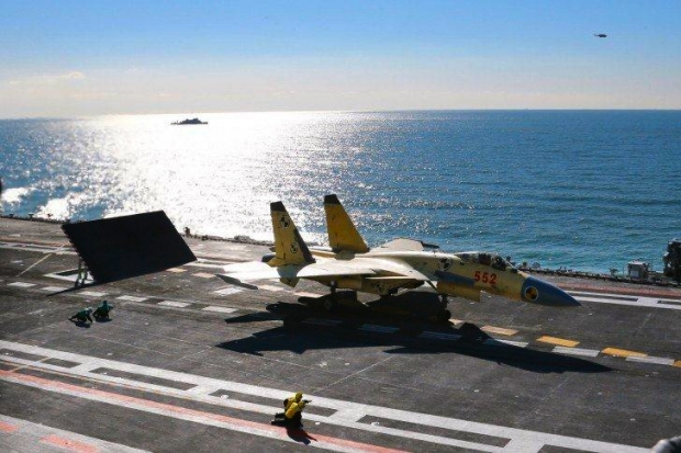Chinese-Aircraft-Carrier-Liaoning-J15-2-485x728.jpg